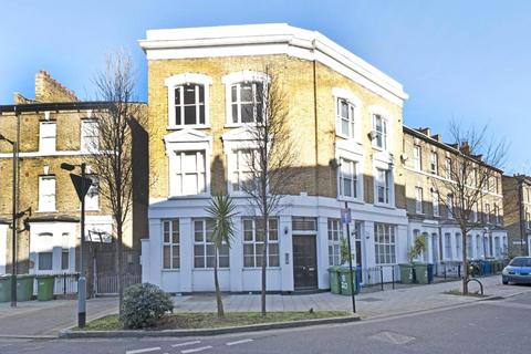 2 bedroom apartment to rent - Darwin Street, London, SE17