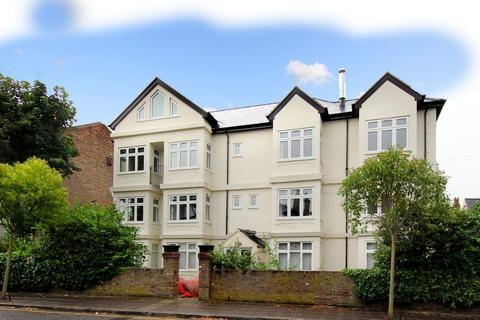 2 bedroom flat to rent - Avenue Road, W3