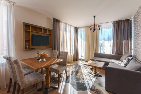 2 bedroom apartment - Razlog
