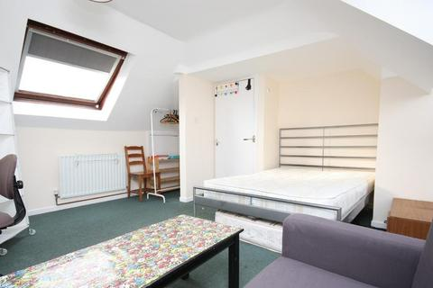1 bedroom house share to rent - Long Drive, East Acton, London, W3 7PH
