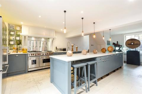 5 bedroom end of terrace house for sale - Bow Road, London, E3