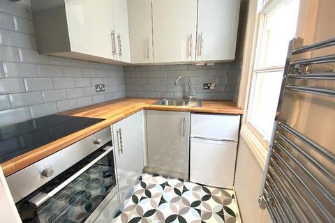 Studio to rent - Hove Park Villas, Hove, East Sussex, BN3 6HG