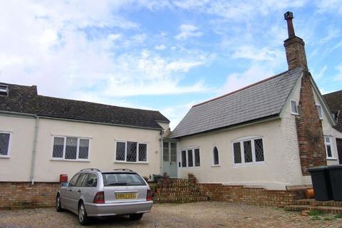 4 bedroom property to rent - Plummers Lane, Haynes