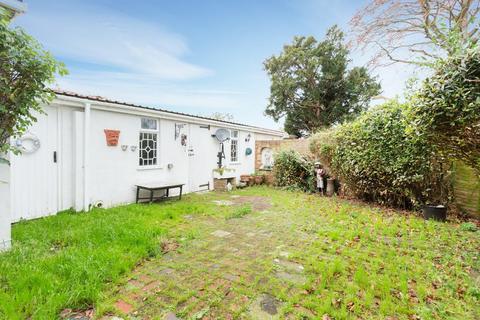 2 bedroom apartment for sale - Walmer Castle Road, Walmer, Deal