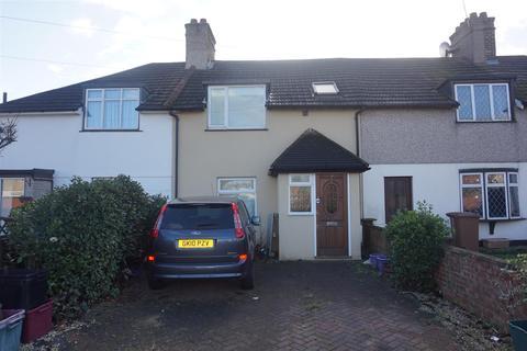3 bedroom semi-detached house to rent - Heath Way, Erith