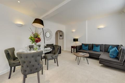 2 bedroom house to rent - Hill Street, Mayfair, London