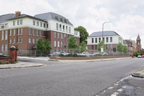 2 bedroom apartment for sale - Alvanley Place Park Road South Prenton, Prenton, Wirral