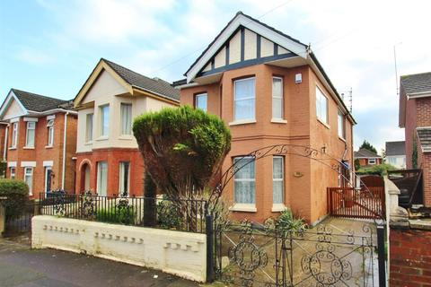 4 bedroom detached house for sale - Brassey Road, Bournemouth
