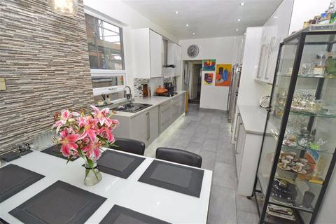 3 bedroom townhouse for sale - Evington Valley Road, Evington