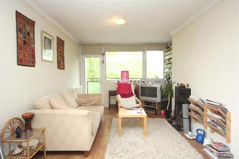 2 bedroom flat to rent - Kersfield Road, Lusher House, London
