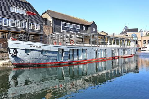 5 bedroom houseboat to rent - St Katharine Docks, Wapping E1W