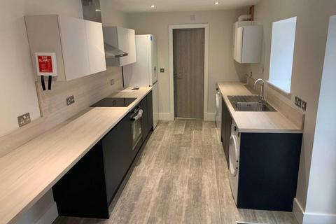 6 bedroom semi-detached house to rent - Marlborough Road, Beeston, NG9 2HG