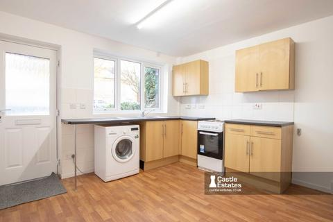 2 bedroom terraced house to rent - Montpellier Road, DUNKIRK, Nottingham, NG7 2JX