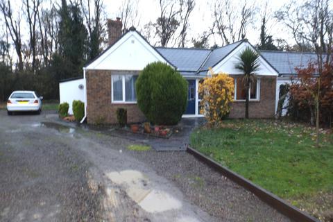 2 bedroom semi-detached bungalow for sale - Farm Road, Papworth Everard CB23