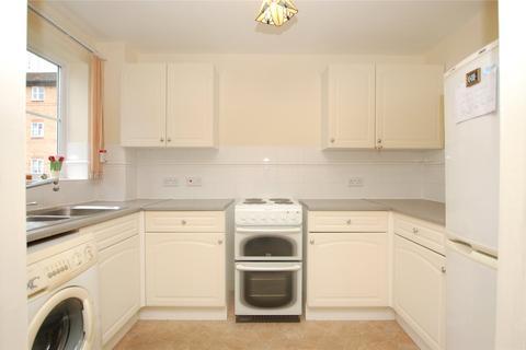 1 bedroom apartment - Gibson Court, Regarth Avenue, Romford, RM1