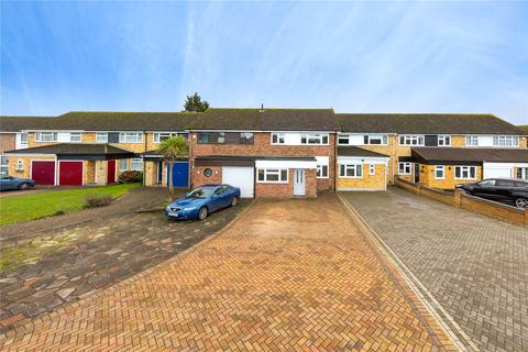 3 bedroom terraced house for sale - Swanbourne Drive, Hornchurch, RM12