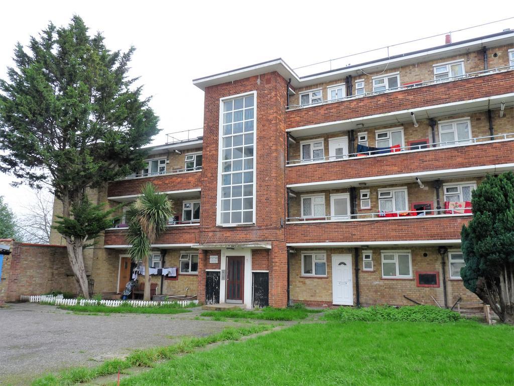 3 bedroom ground floor flat for sale in havelock
