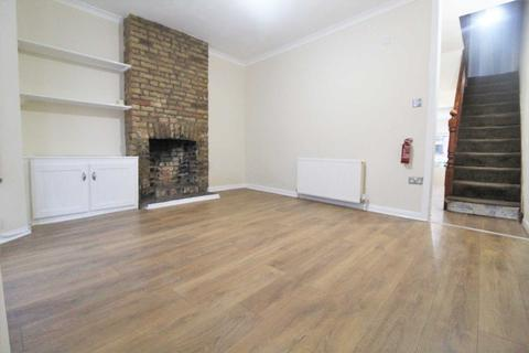 3 bedroom terraced house to rent - London