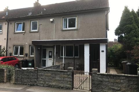 3 bedroom flat - Craigievar Crescent, Garthdee, Aberdeen, AB10 7DQ