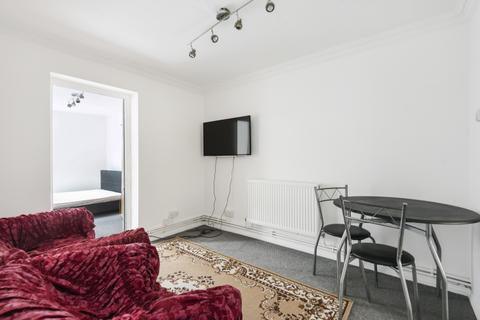 3 bedroom flat to rent - Nile Path Woolwich SE18