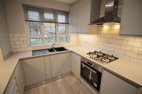 2 bedroom flat to rent - Vincennes Estate, St Gothard Road, London