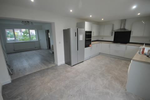 5 bedroom detached house to rent - Park Rise, Leicester