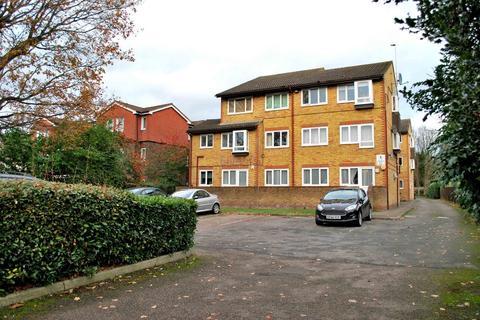 2 bedroom flat to rent - Copers Cope Road, Beckenham