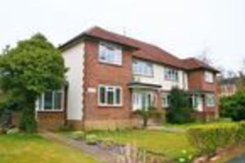2 bedroom maisonette to rent - Ray Park Road, Maidenhead