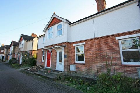 2 bedroom terraced house to rent - Hawkhurst
