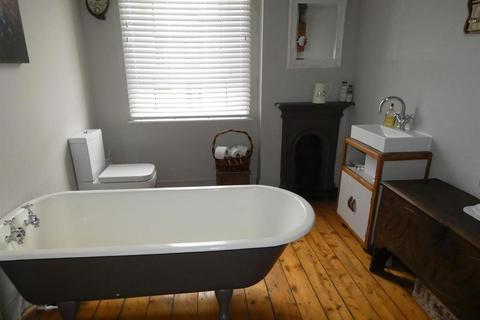 2 bedroom terraced house for sale - Oswald Street, Carlisle, Cumbria, CA1 2LU