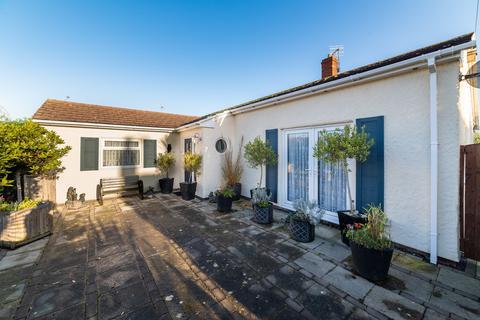 3 bedroom detached bungalow for sale - Corbett Avenue, Talacre