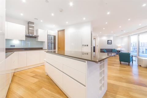 3 bedroom apartment for sale - Arena Tower, 25 Crossharbour Plaza, Canary Wharf, London, E14