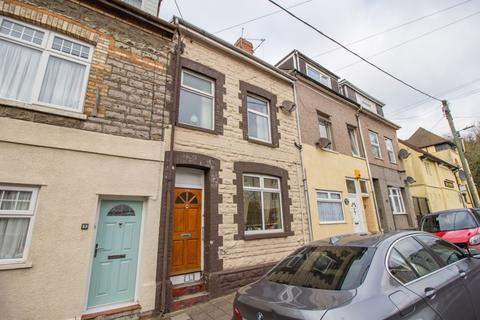 2 bedroom maisonette for sale - Pill Street, Penarth