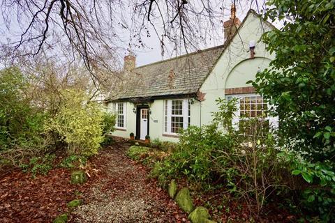 3 bedroom detached bungalow for sale - Fernlea Cottage, Benton