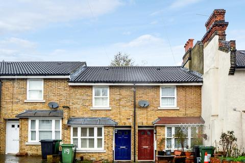 2 bedroom terraced house for sale - 19, Hither Green SE13