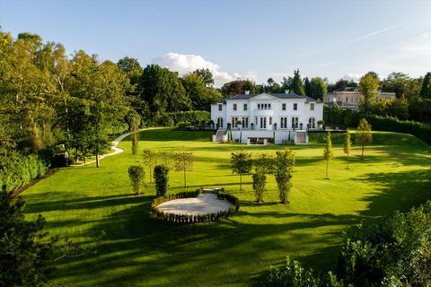 5 bedroom detached house for sale - East Drive, Wentworth, Virginia Water, Surrey, GU25