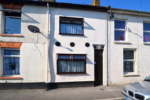 2 bedroom property for sale - Alma Street, Sheerness
