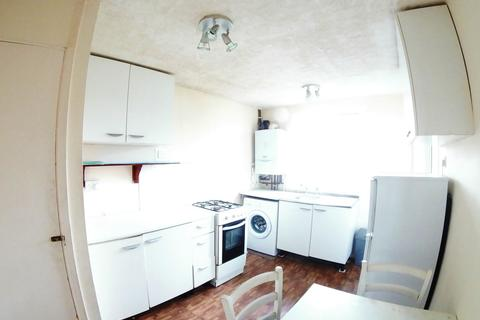 2 bedroom maisonette to rent - Green Close, Maidenhead