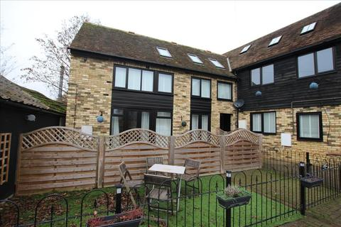 3 bedroom apartment to rent - Lawrence Road, Biggleswade, SG18