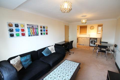 2 bedroom apartment to rent - Tilley Road, Feltham, Middlesex, TW13