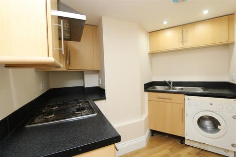 2 bedroom flat for sale - The Sidings, Moat Lane, Erith