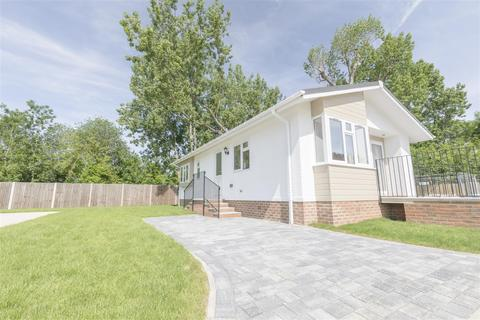 2 bedroom park home for sale - Lyngfield park, Huxtable Gardens, Maidenhead