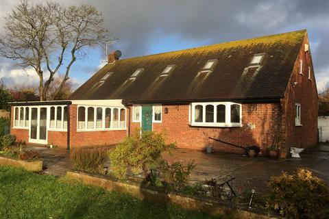 3 bedroom house to rent - Underdown Road, Southwick, Brighton