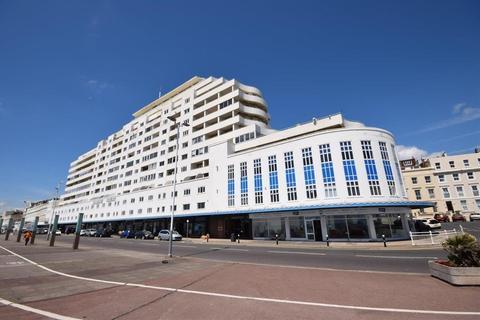 1 bedroom flat to rent - Marine Court, St. Leonards-On-Sea