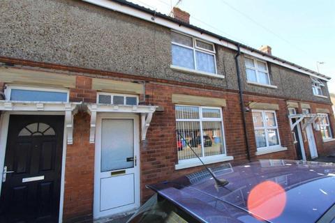 2 bedroom terraced house for sale - Portland Place, Bridlington