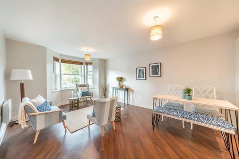 2 bedroom flat to rent - Coreilia Court, 233 Acton Lane, Chiswick