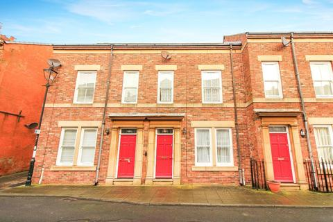 3 bedroom terraced house for sale - Middle Street, North Shields