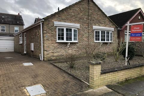 3 bedroom bungalow for sale - Dene Grove, Darlington