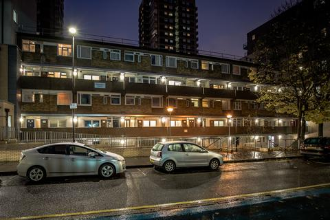 3 bedroom maisonette for sale - Cable Street, Tower Hill E1