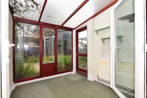 3 bedroom semi-detached house for sale - Swallow Road, Birds Estate, Larkfield, Kent